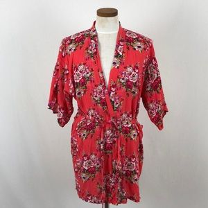 Other - NWOT Pretty Floral Robe